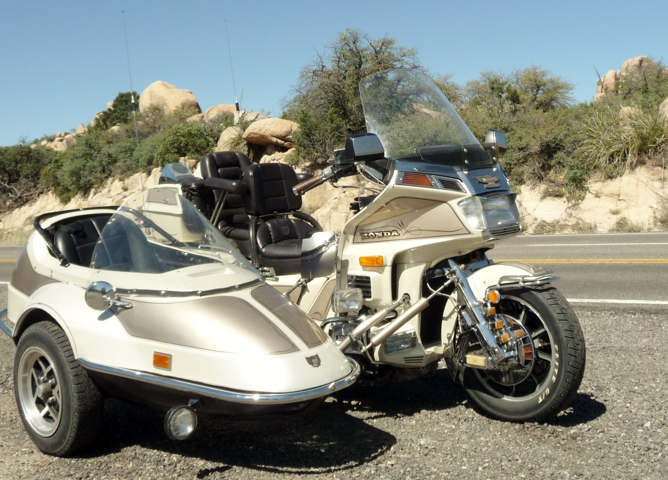 1986-gl1200-and-california-sidecar.jpg